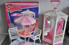 . Sindy Doll, Barbie Doll House, Barbie Stuff, Barbie Clothes, Barbie Playsets, Mini Chair, Mini Houses, Retro 1, Barbie And Ken