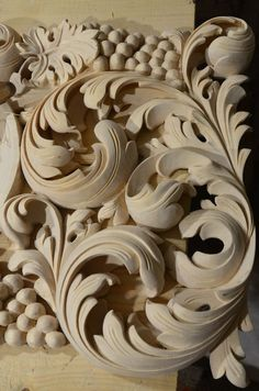 Wood Carving Designs, Wood Carving Art, Wood Sculpture, Sculptures, Silver Wall Clock, Filigree Tattoo, Pinstriping Designs, Filigree Design, Gifts For Office