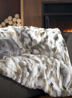 Genuine rabbit fur throw 130 x 150 cm - Throws | Simons