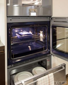 The oven by Gaggenau comes with a warming drawer.