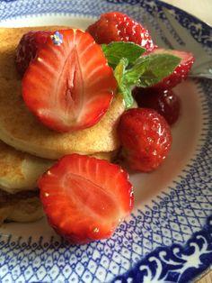 Almond pancakes for breakfast. Almond Pancakes, Breakfast Pancakes, Strawberry, Fruit, Food, Meal, The Fruit, Essen, Strawberries
