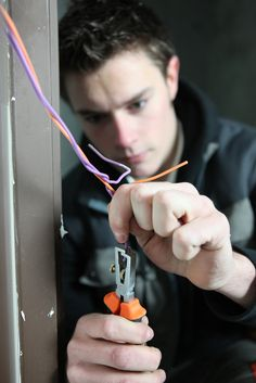 Phoenix Electrician - The Mighty Electricians Inc.