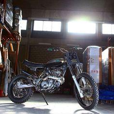 Yamaha XT600 #motorcycles #streettracker #motos | caferacerpasion.com