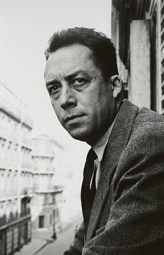 Hatırlamak için yavaşlar unutmak için hızlanırız. Albert Camus