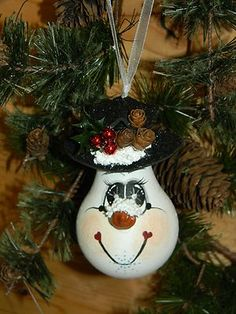 *Handpainted Christmas Snowman LIGHTBULB Ornament - (I want to do some of these for Christmas!)