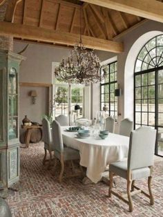 Beautiful French Country Dining Room Decor Ideas - Best Home Design Ideas French Country Rug, French Country Dining Room, French Country Kitchens, French Country Decorating, Country Living, Country Style, French Style, French Rustic Decor, Farmhouse Kitchens