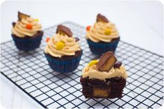 Cupcake Crazy Gem!: Double Stuff Oreo Brownie Cupcakes & Reese's Peanut Butter Cup Brownie Cupcakes