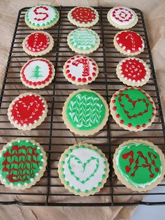 more pretty ways to decorate christmas sugar cookies