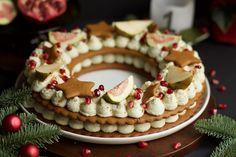 Gillar du kombinationen pepparkaka och ädelost? Då måste du prova denna Pepparkakstårta med ädelsostkräm! Efter att jag gjort den söta varianten - Pepparkakstårta med färskostkräm - så ville jag även… December, Cake, Advent, Desserts, Christmas, Recipes, Food, Tailgate Desserts, Xmas