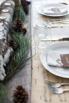 Rustic Christmas Tablescape #holiday #christmas #rustic #country #nature