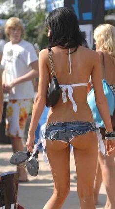 街を歩くセクシーなお姉さんたちの画像 - 18禁ネタ