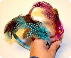 theartgirljackie-tutoriales: DIY Diademas de plumas