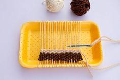 loom (step by step) - Networking - knites Weaving For Kids, Weaving Art, Tapestry Weaving, Loom Weaving, Yarn Crafts, Diy And Crafts, Arts And Crafts, Diy For Kids, Crafts For Kids