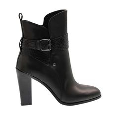 Western chic created with sophistication, these @donaldjpliner boots are a must-have!