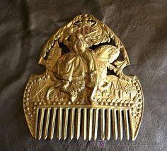 ANTIGUA PEINETA VALENCIANA DE LATON. REPUJADO Y POLICROMADO (Antigüedades - Moda - Complementos - Mujer - Peinetas Antiguas)