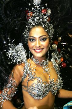 Juliana Paes Rio Carnival 2005 by TerryGeorge. Carnival Fashion, Carnival Outfits, Carnival Costumes, Girl Costumes, Dance Costumes, Costume Ideas, Carnival Dancers, Carnival Girl, Brazil Carnival
