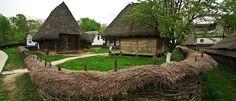 Muzeul Satului  Sub numele lui oficial Muzeul Satului Dimitrie Gusti, Muzeul Satului este o opera a celui ce i-a dat numele, datand din 1936. Este bine cunoscut faptul ca viata rurala pe teritoriul Romaniei de astazi a avut o mare insemnatate de-a lungul timpului. Astfel, importanta majora a Muzeului Satului este cu atat mai vizibila, daca este sa privim in istoria teritoriului ce astazi reprezinta Romania.