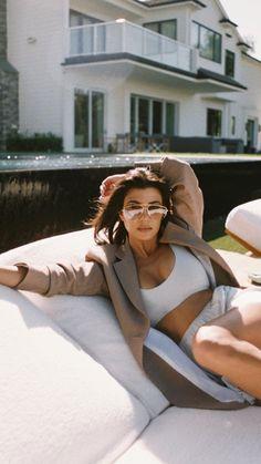 See more of kardashjenners's VSCO. Kourtney Kardashian Instagram, Kardashian Photos, Kardashian Style, Kardashian Jenner, Kourtney Kardashian Workout, Kardashian Fashion, Kardashian Birthdays, Kim And Kourtney, Poses For Photos