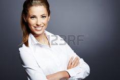 14950839-Портрет-красивой-молодой-женщины-деловой-репутации-пр.jpg (450×300)