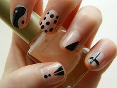 My latest Monochrome nails (with a twist) were done today, check them out bellow ;)