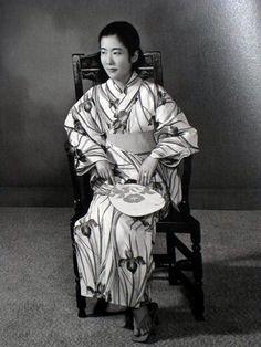 Nonaka Yuri 野中ユ, Japanese artist by Hosoe Eikoh 細江 英公 - Japan - 1970s