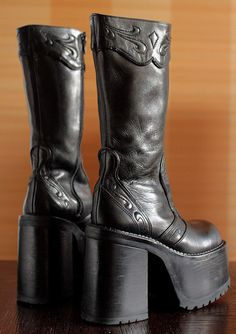 Original BUFFALO super high platform boots  38 EUR 7 1/2 US WOMEN  condition: excellent!  made in Spain  high quality thick black leather