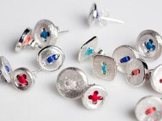 button earrings by Hanne Schoofs