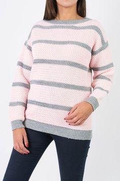 SWEATER YUCA Referencia  3203 Condición:  Nuevo producto  Sweater rayado en punto retenido atravesado. Puños y ruedo en elástico. Cuello semi-bote, mangas caidas.  Colores: Gris, Rosa / Gris medio, Lacre.