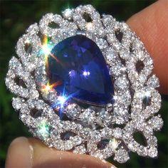 Tanzanite Diamond Vintage Ring 18k White Gold Certified GEM!!!   ((Oh My!))