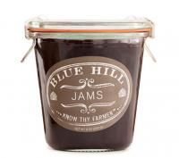 love the packaging for this jam and the use of European Weck Jars Jam Packaging, Simple Packaging, Print Packaging, Packaging Design, Packaging Ideas, Blue Hill Farm, Strawberry Rhubarb Jam, Jam Label, Packaging