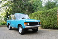 Perfect Tuscan Blue Range Rover Classic