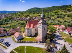 Transylvania is populated with idyllic villages and fortified churches that have led to the creation of an extraordinary cultural landscape. The uniqueness of some architectural aspects as well as the preservation of medieval buildings contributed to the inclusion of seven old fortified churches into UNESCO World Heritage in 1993.