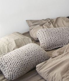 chunky knit pillows, mikmax, scandinavian interior, via http://www.scandinavianlovesong.com/