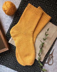 Bombay Trooper, Fairy Clothes, Kids Socks, Sock Shoes, Hygge, Knitting Socks, Knits, Knit Crochet, Knitting Patterns