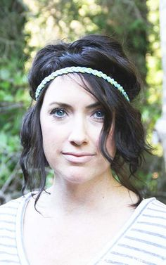 you  have no idea how badly I want to be hip enough to rock this look...just not sure it's me. but, it's a tutorial on how to make your own headbands, so that's cool