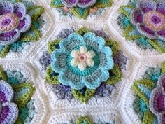 Transcendent Crochet a Solid Granny Square Ideas. Inconceivable Crochet a Solid Granny Square Ideas. Crochet Quilt, Crochet Blocks, Crochet Art, Love Crochet, Crochet Motif, Hand Crochet, Crochet Home, Granny Square Crochet Pattern, Crochet Flower Patterns