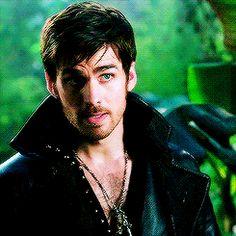 Colin O'Donoghue - Killian Jones -Captain Hook - Captain Swan - Once Upon A Time