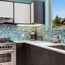 Brio Blend Glass Mosaic Tile in Fresh