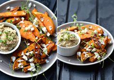 Super lækker ret - gerne med gulerødder også i ovnen - skær gulerødderne ud i lidt mindre stykker da de ellers skal have længere end kartoflerne