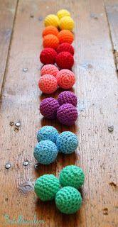 Doudou, maman, papa et moi: Des perles au crochet pour le jeu de tri ! [tuto crochet]