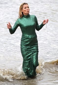 Water way to go! Kate Moss been spotted filming scenes for the upcoming Absolutely Fabulou...