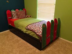 Skater boy bed, constructed from platform bed purchased at Walmart, and ten stained blanks. Add skate decals for personalized flair. My husband is a DIY god, and skater boy himself. Our three year old loves it! Skateboard Room, Skateboard Design, Diy Platform Bed, Longboards, Diy Bed, Kids Rooms, Bedroom Ideas, Toddler Bed, Bedrooms