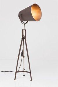 Vloerlamp Tube, bekijk deze industriële Lamp Tube. - Meubelen Online heeft een grote collectie betaalbare design meubelen.