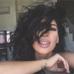 Beautiful Lips, Gorgeous Hair, Hello Gorgeous, Bombshell Beauty, Dark Hair, Pretty Hairstyles, Pretty Face, Makeup Inspiration, Hair Goals