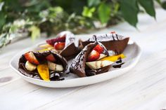 Uma pausa rápida e cheia de sabor :) Veja a receita de Crepes de chocolate com fruta