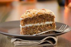Exquisito postre, receta fácil de Tarta de Zanahoria con Chocolate Blanco! Yo te ayudo, prueba a hacerla y la repetirás seguro!