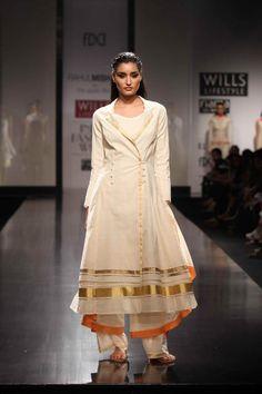 http://4.bp.blogspot.com/-MofvIkwKDZU/UH25pBjNuFI/AAAAAAAAH80/Yl29Tt80jaI/s1600/Rahul-Mishra_WIFW-Spring-Summer-2013_Indian-Fashion-Trends-S...