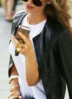 "Q Bracelet | Q designs  ""The stylish bracelet that charges your smartphone."""