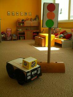 Z kartónových krabíc. Table Lamp, Home Decor, Table Lamps, Decoration Home, Room Decor, Home Interior Design, Lamp Table, Home Decoration, Interior Design
