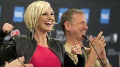 Sanna Nielsen och Christer Björkman under Eurovision Song Contest 2014. Nu jobbar de ihop igen – med Sanna som programledare och Christer som exekutiv producent. Andreas Hillergren/TT